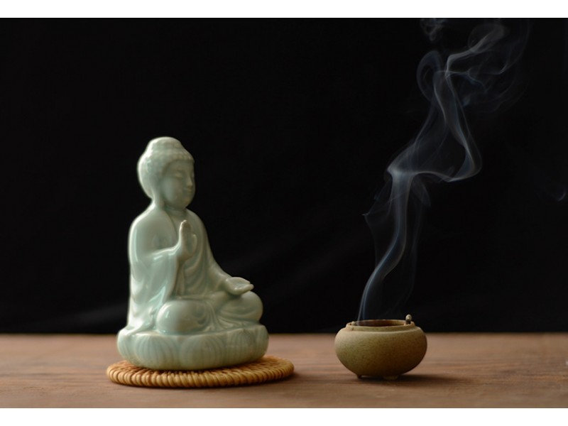Zen - Bluish white glazing porcelain Sitting Buddha